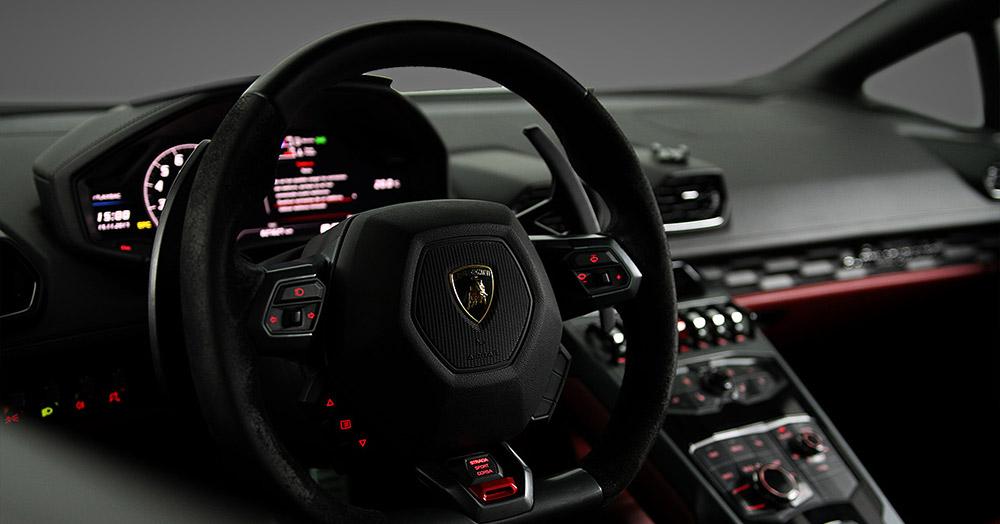 Lamborghini Huracan inside steering wheel