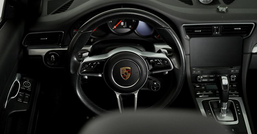 Porsche 911 Cabrio inside views